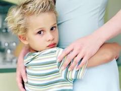 причины, которые могут вызвать запоры у ребенка