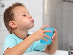 полоскание горла ребенку при ангине