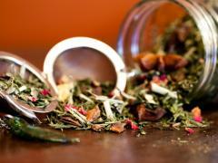 чай из разных трав с шиповником