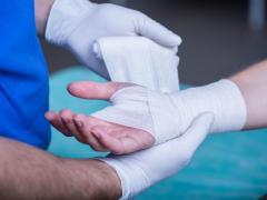 Как разработать руку после снятия гипса