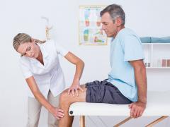 опухло колено - обратитесь к доктору