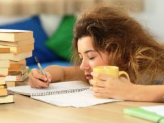почему все время хочется спать и слабость