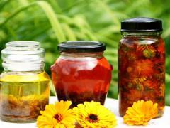 Как сделать настойку из спирта: методы и особенности изготовления, при каких болезнях используется