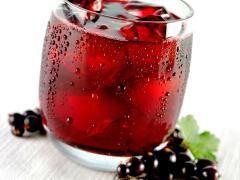 сок из черной смородины может стать причиной измения цвета мочи на розовый