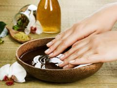 Грибки обитают на коже и ногтях человека