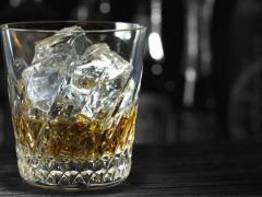 Алкоголизм является современным распространенным заболеванием