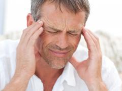 При регулярных приступах головокружения необходимо обратиться к специалисту