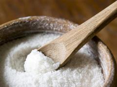 Солевая смесь помогает улучшить рост волос