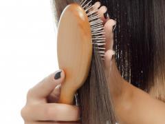 Выпадение волос является естественным процессом