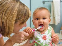 Прорезывание зубов у детей проходит по-разному