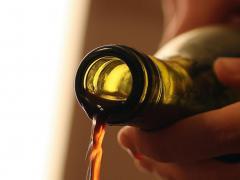 Полезные вещества уксуса нашли применение в косметологии