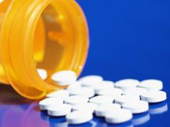 При сильной боли назначают обезболивающие препараты