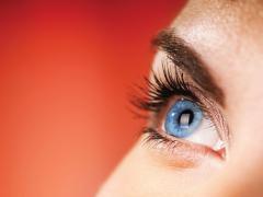 Аллергический конъюнктивит отличается сильным зудом