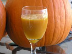 Сок тыквы сочетает в себе кладезь витаминов и отменный вкус