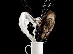 Считается вредным употреблять кофе с молоком