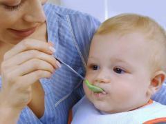 В 6 месяцев ребенок обладает рядом навыков