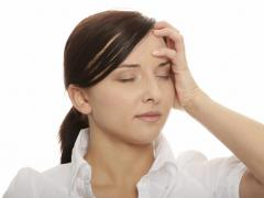 Причиной недомогания может быть шейный остеохондроз