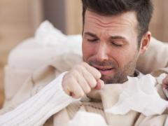 Кашель возникает из-за раздражения слизистых оболочек горла