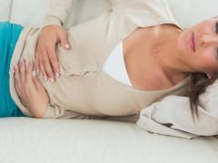 Гипертоническое течение заболевания характеризуется рядом симптомов