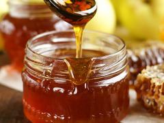 Мед является универсальным средством народной медицины