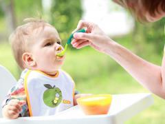 Причиной запора может быть пищевая аллергия