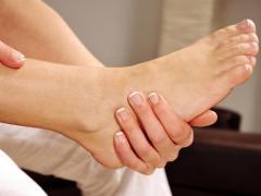 Атрофия мышц нижних конечностей развивается по определенным причинам
