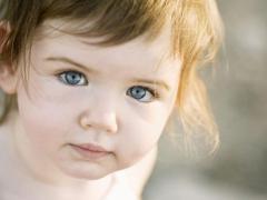 Припухлости под глазами могут появиться у детей