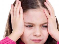 Причины головных болей у детей могут быть различными