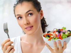 На ранних стадиях от геморроя помогает диета