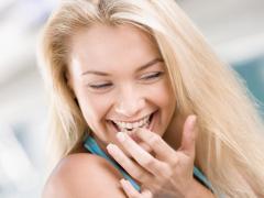 Люди без проблем с зубами являются счастливыми