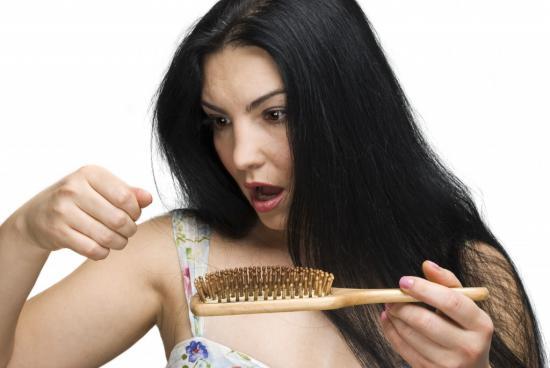 Волосы лезут пучками, что делать