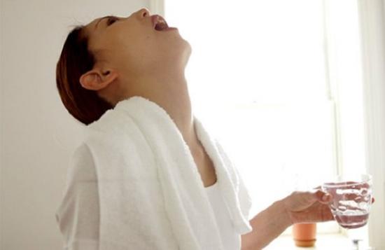 Гексорал для полоскания горла при анине