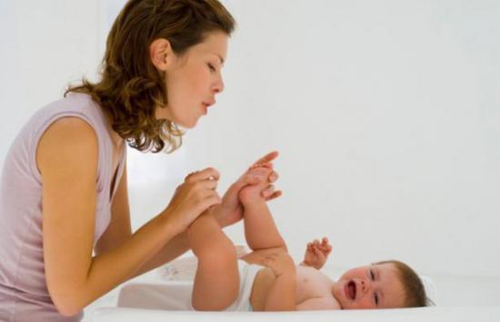 Что делать если у младенца запор