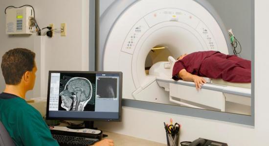 как проводят мрт головного мозга