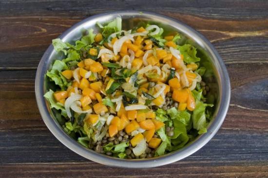 салат из чечевицы с брынзой