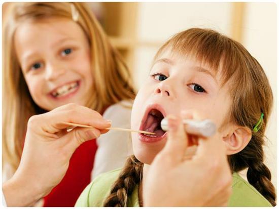 Как лечить горло, ребенку 3 года