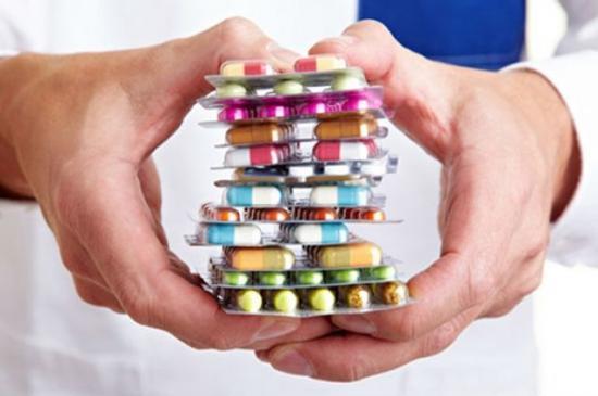 причина молочницы - прием антибиотиков