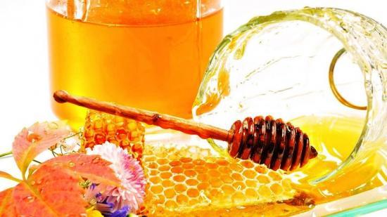 медовые лепешки и медово-капустные компрессы для лечения фурункула под мышкой