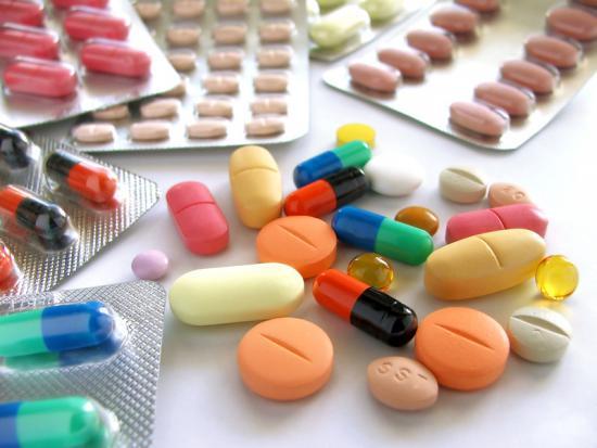 Дисбактериоз может возникнуть из-за лечения антибиотиками