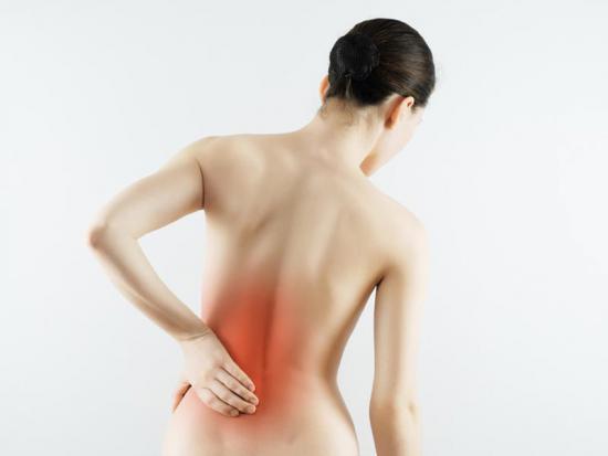 Симптомы алкаптонурии проявляются по-разному