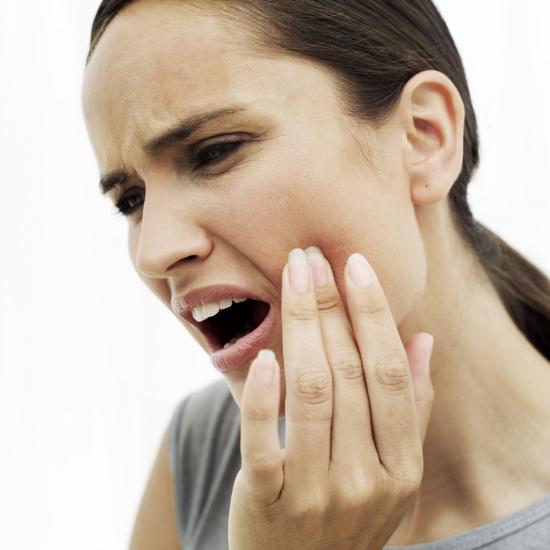 При стоматите происходит поражение ротовой полости