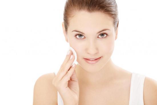 Перекись водорода нельзя применять с целью подсушивания кожи