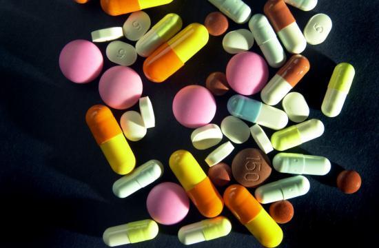 Лечение пузырчатки включает в себя назначение глюкокортикостероидных препаратов