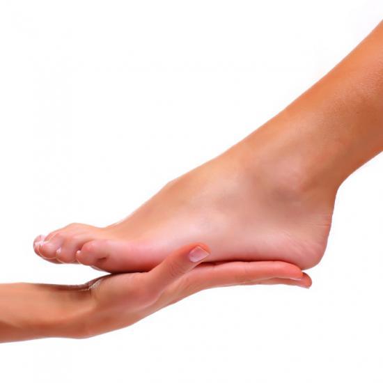 К врачу обычно обращаются при ярко выраженной деформации стопы