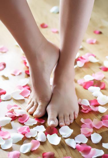 Уплощение сводов стопы вызывает много эстетических дефектов