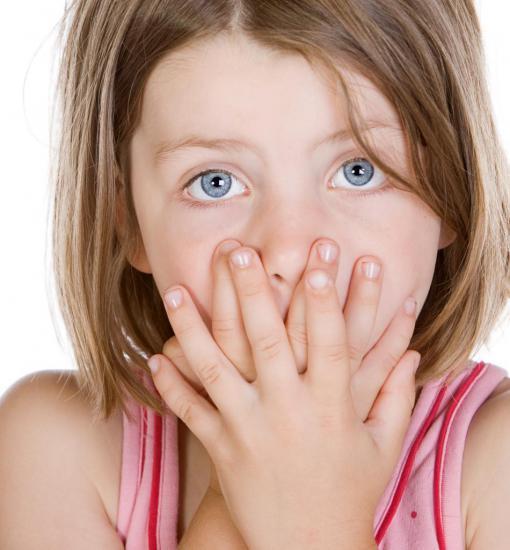 Появлению эритемы у ребенка способствует наличие вируса в организме