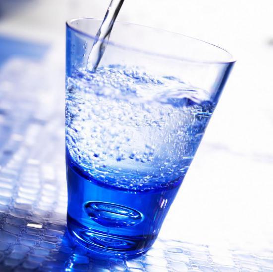 При панкреатите полезно употреблять минеральные воды