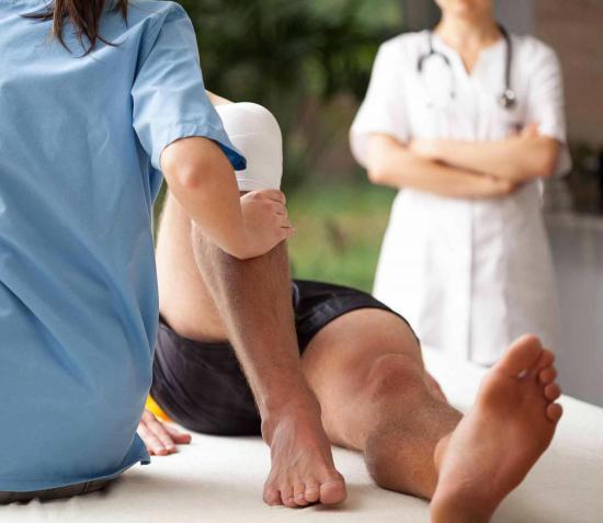 Реабилитация после перелома включает в себя проведение ряда действий