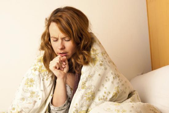 Сухой кашель развивается на основе инфекционных заболеваний