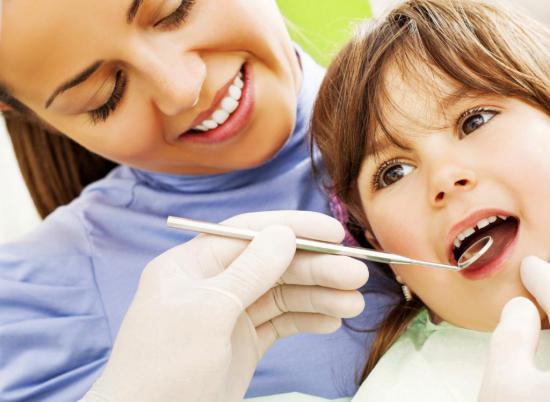 Гнилостный запах свидетельствует о проблемах с зубами